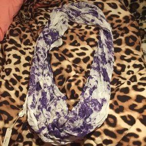 A scarf.